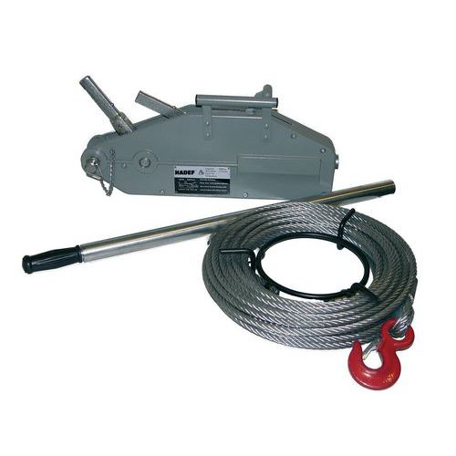 Lier met doorgevoerde kabel